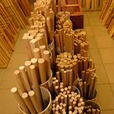dřevěné lišty v prodejně